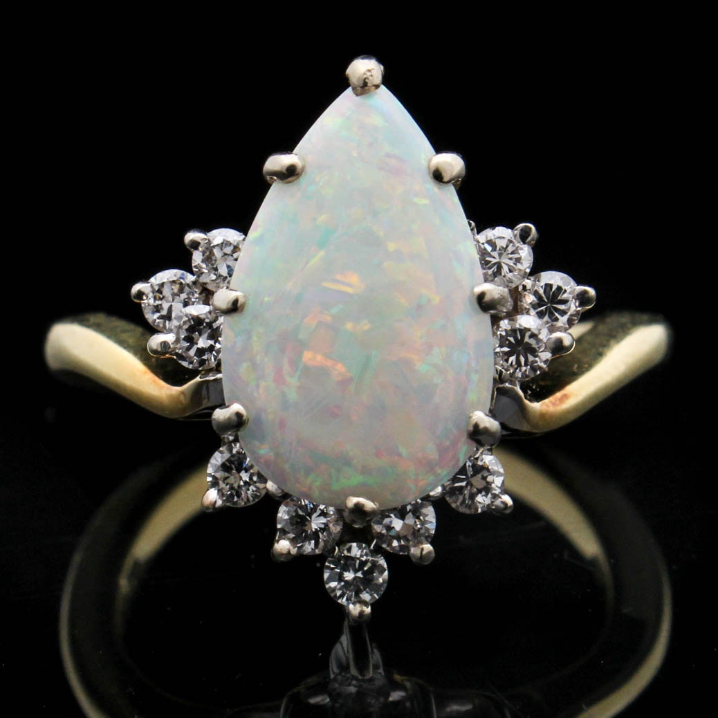18K Yellow Gold 1.40 CT Opal and Diamond Ring