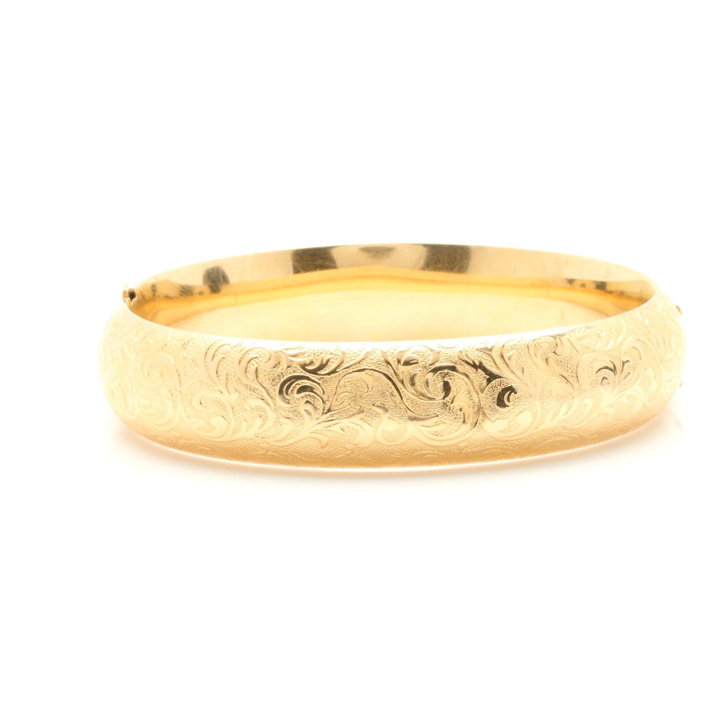 Circa 1940s 14K Yellow Gold Bangle Bracelet