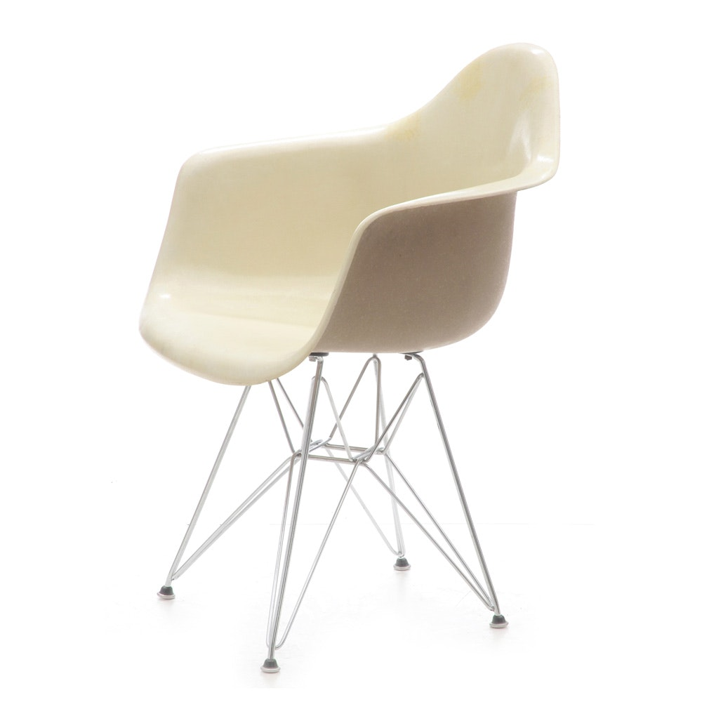 Vintage Mid Century Modern Molded Fiberglass Chair after Ray and Charles Eames