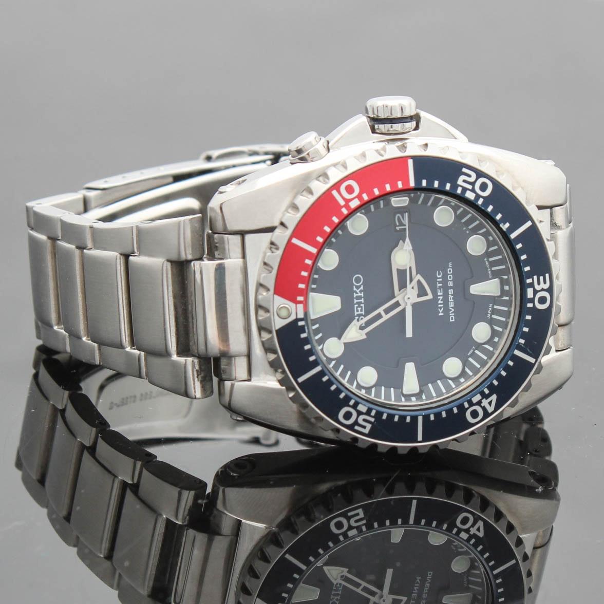 Seiko Kinetic Quartz Movement Diver's Wristwatch