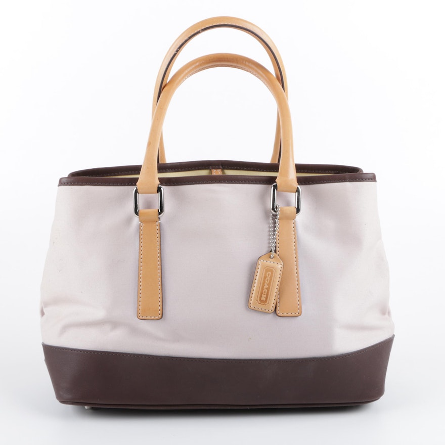 73918d69d515 2001 Coach Hampton Canvas and Leather Carryall Tote   EBTH