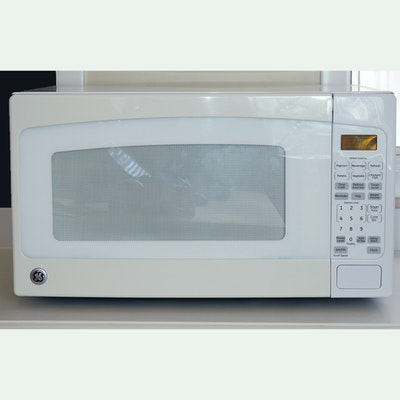 White Ge Microwave