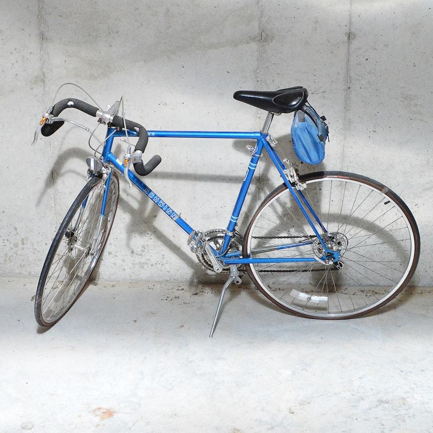 59d721a3f1b Vintage Schwinn Le Tour Road Bicycle : EBTH