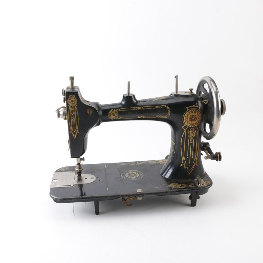 Antique Speedwell Rotary Hand Crank Sewing Machine EBTH Extraordinary New Hand Crank Sewing Machine