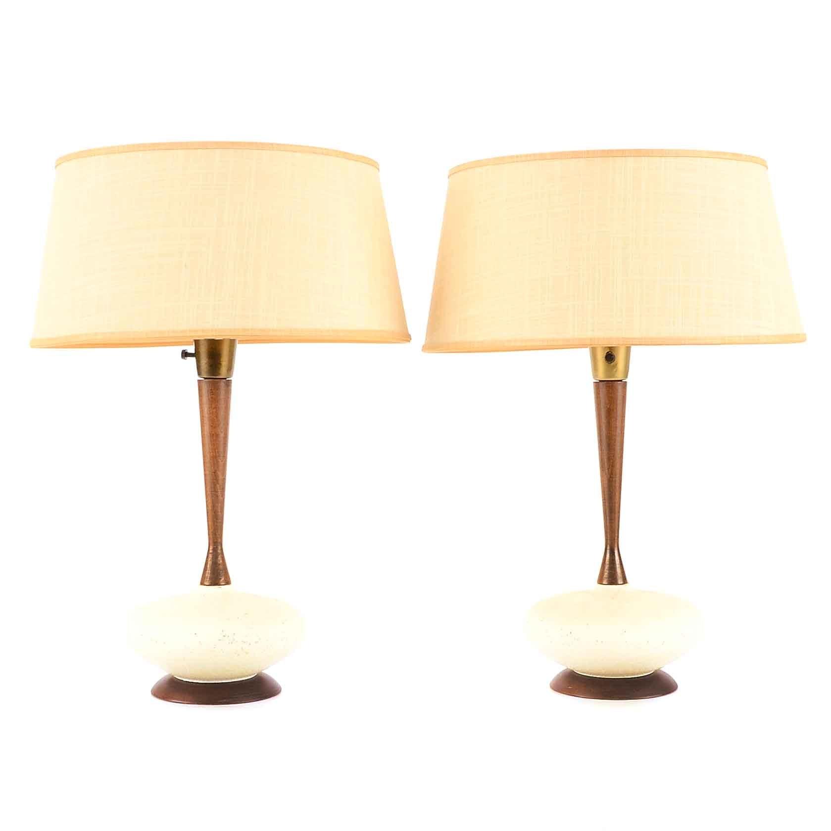 Attirant Pair Of Mid Century Modern Table Lamps ...