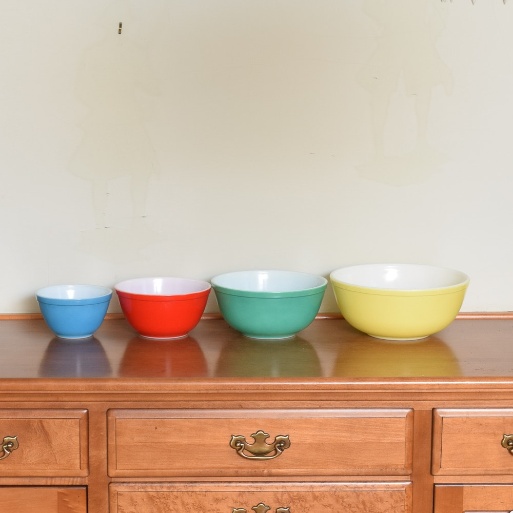 "Vintage Pyrex ""Primary Colors"" Glass Mixing Bowls 1945-49"