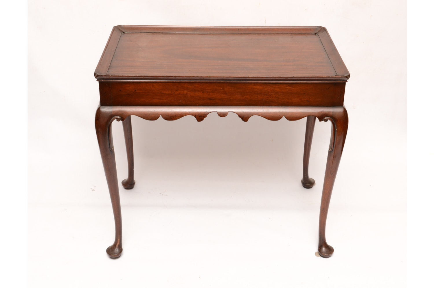 Vintage Queen Anne Style Mahogany Tea Table by Kittinger