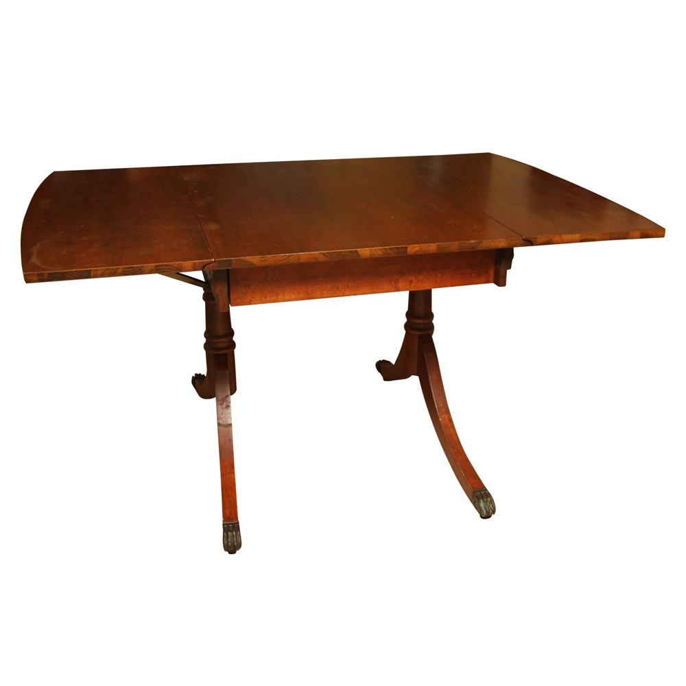 Vintage Federal Style Mahogany Drop Leaf Table