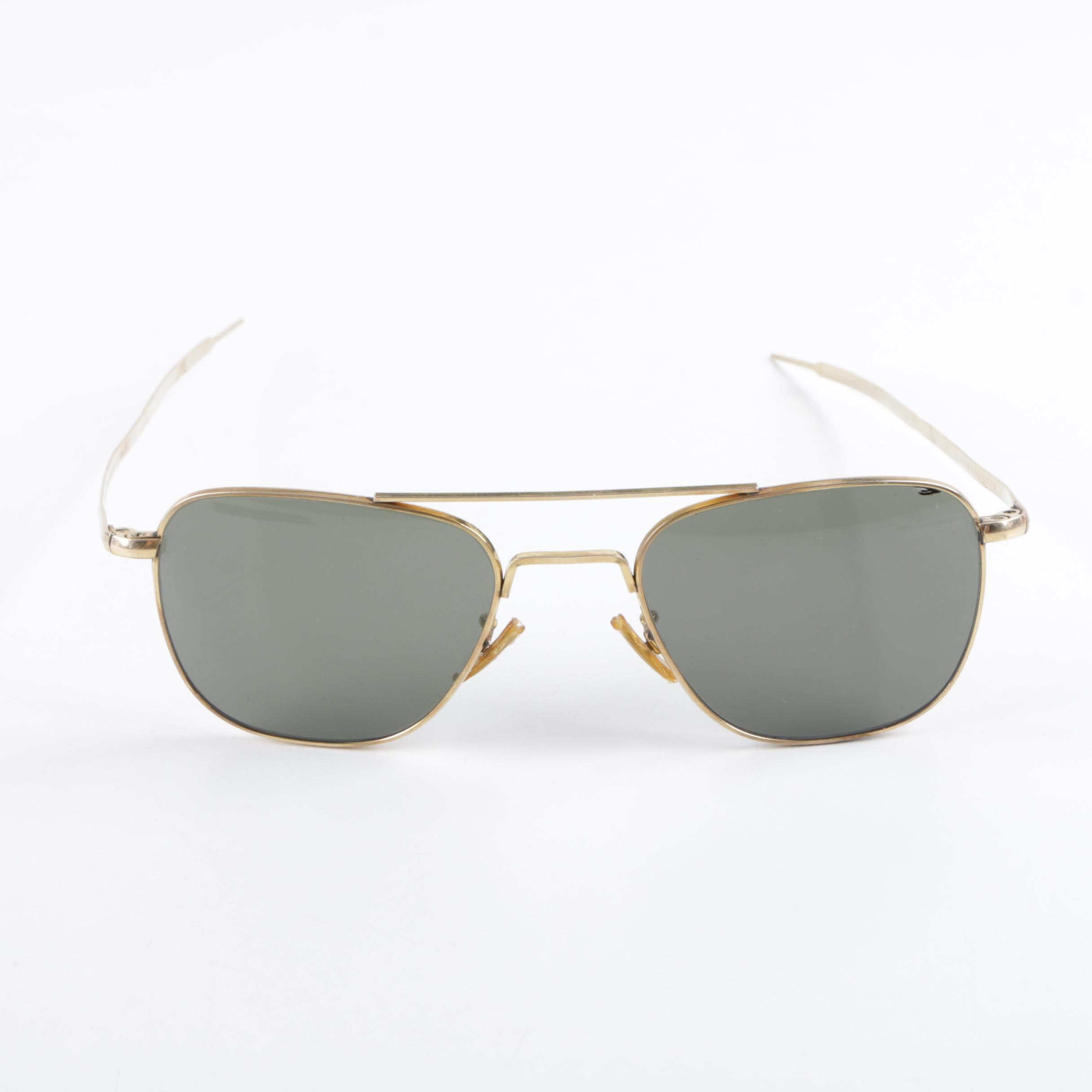 Vintage Welsh Mfg. Co. 1/10 12K Gold Filled Aviator Sunglasses