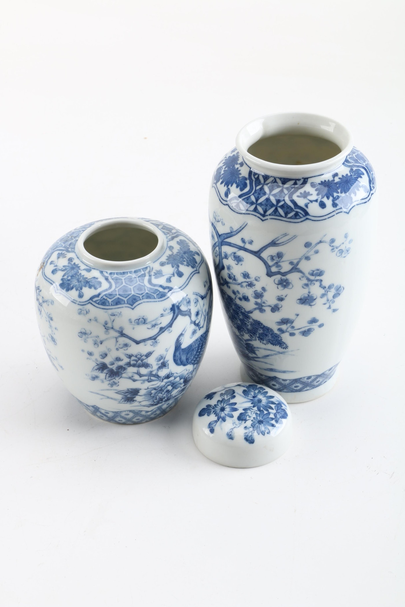 Auto Palace Columbus >> Japanese Blue and White Porcelain Peacock Vase and Jar | EBTH