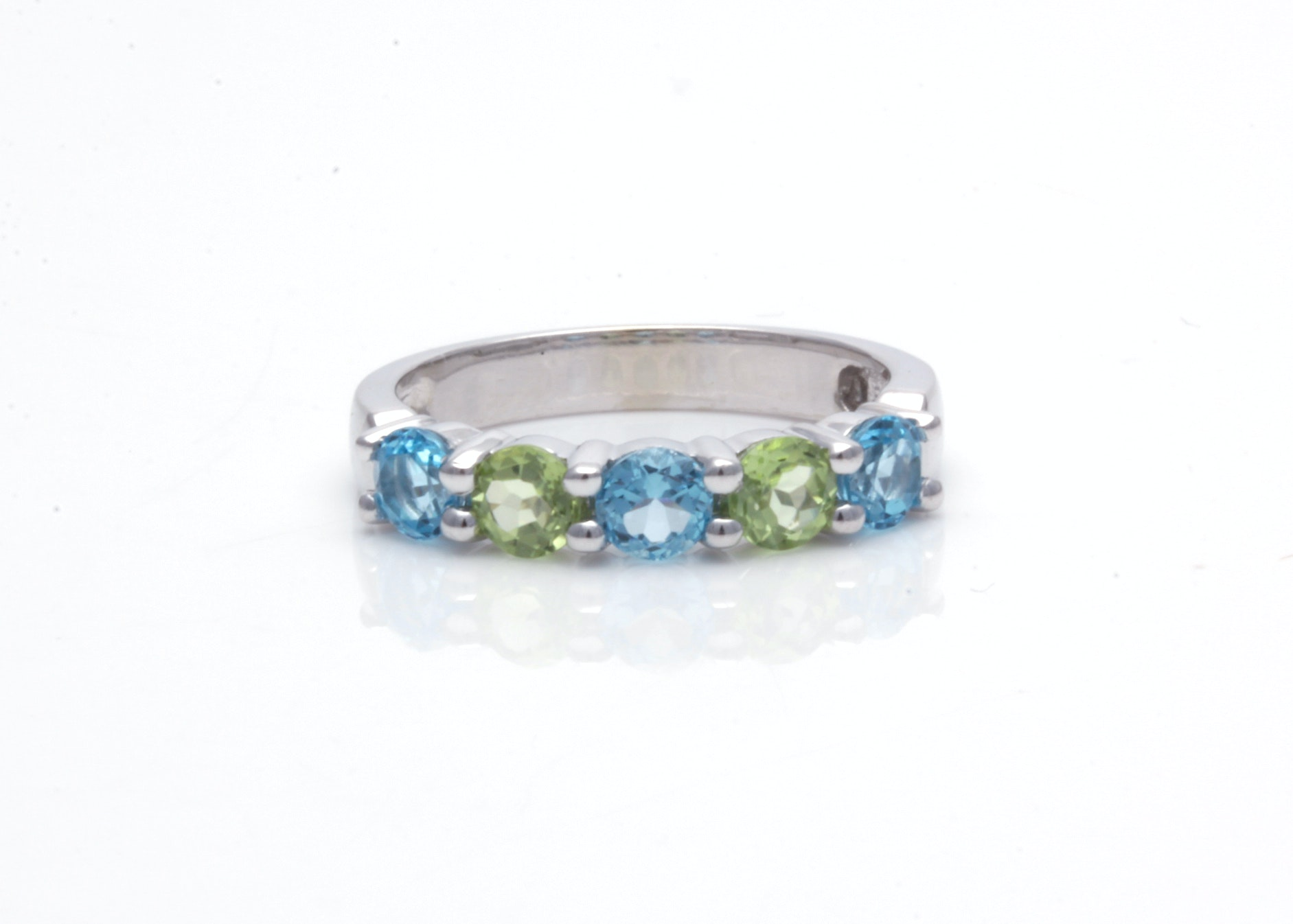 14K White Gold Blue Topaz and Peridot Ring