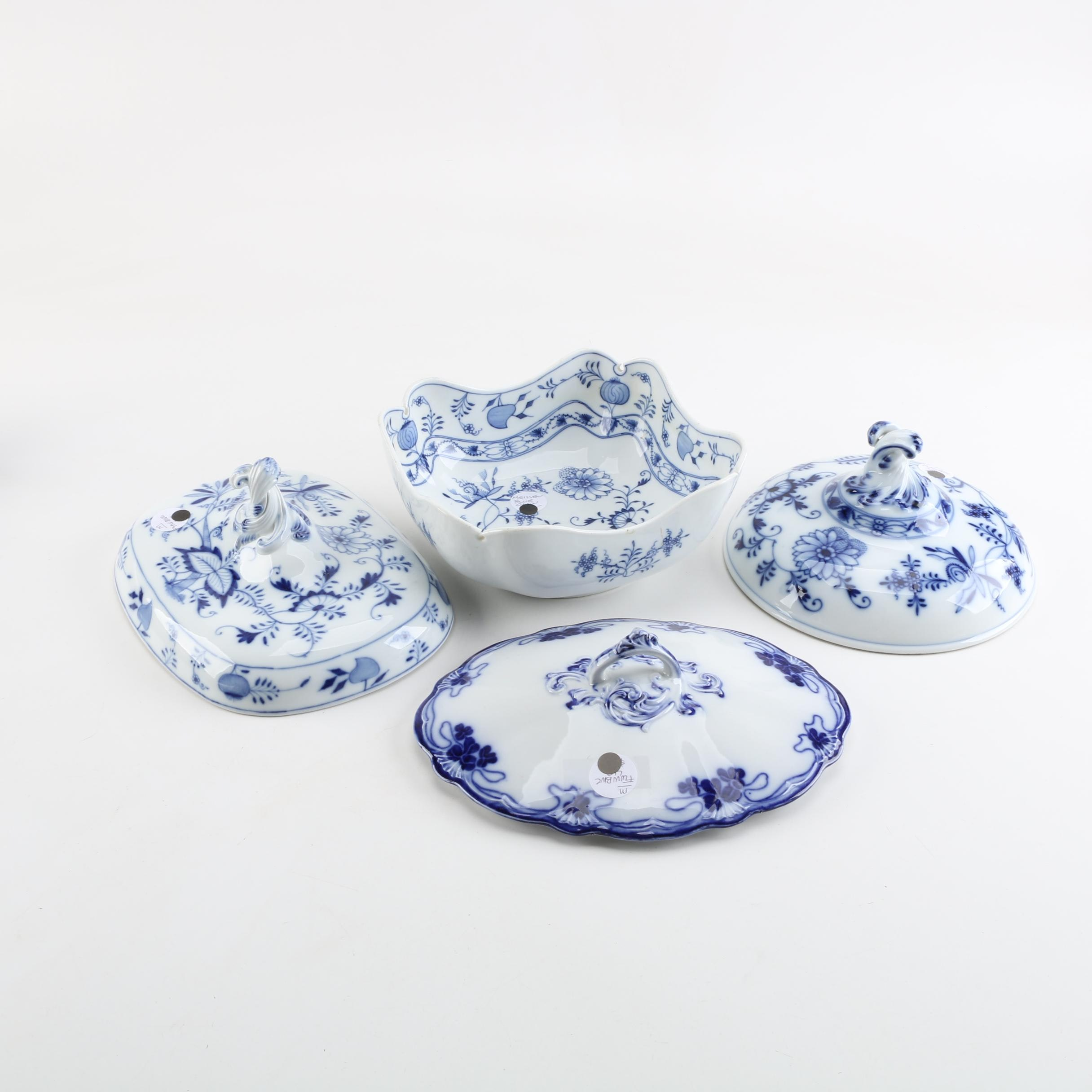 """Vintage Carl Teichert """"Blue Onion"""" Porcelain Bowl with Lids"""