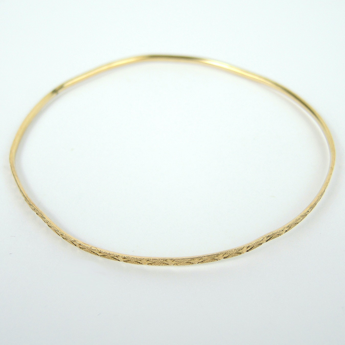 10K Yellow Gold Bangle Bracelet