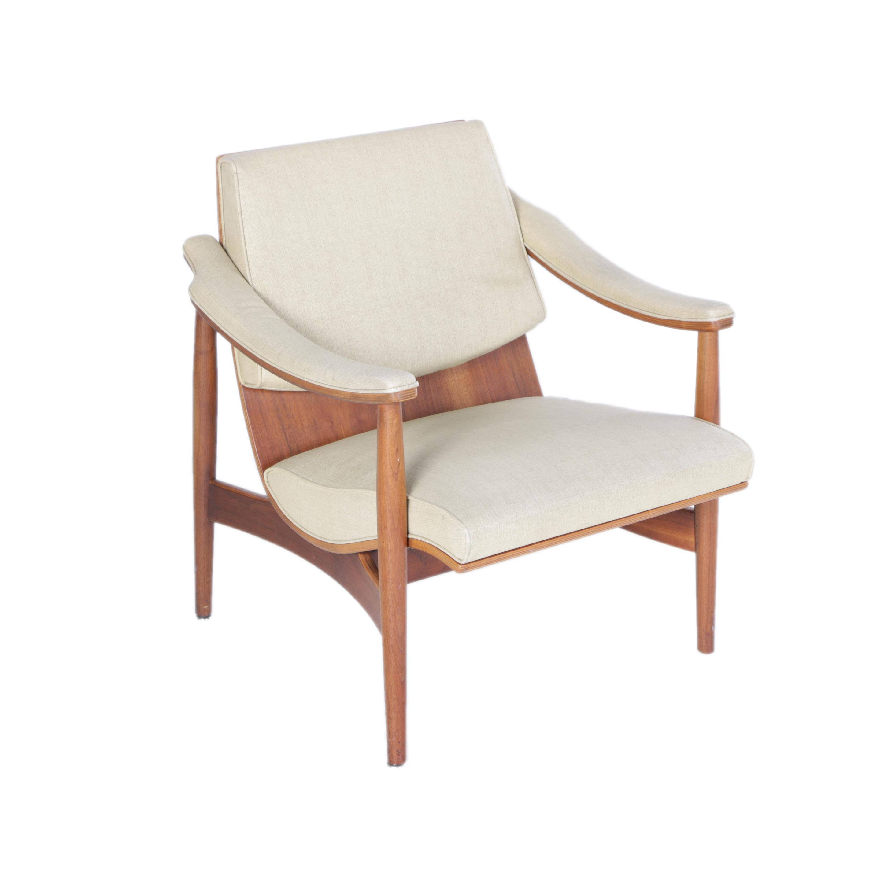 Vintage 1960s Mid Century Modern Thonet Walnut and Bentwood Lounge Chair
