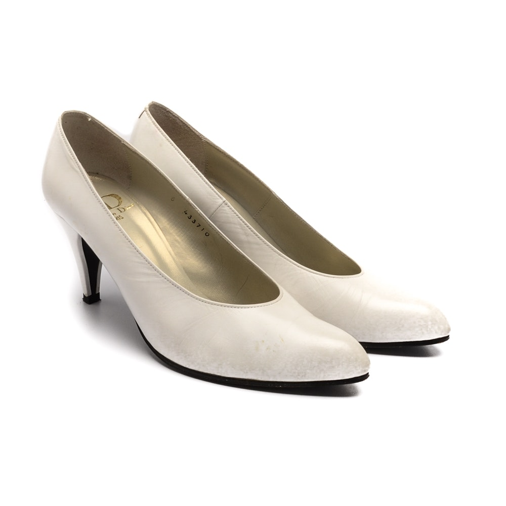 Vintage Christian Dior White Leather Pumps