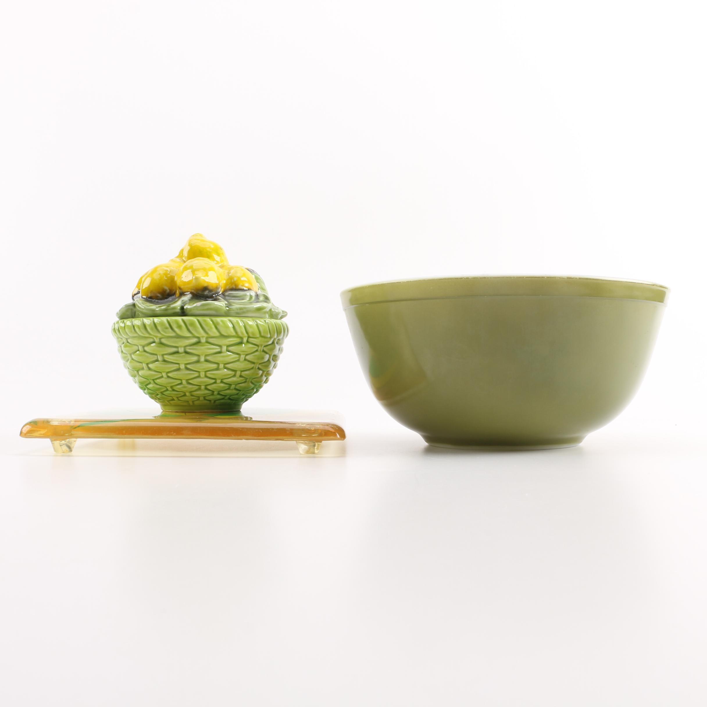 Green Pyrex Bowls and Lemon Themed Kitchenware
