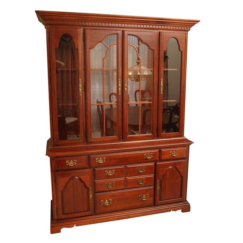 Vintage American Drew Chippendale Style China Cabinet