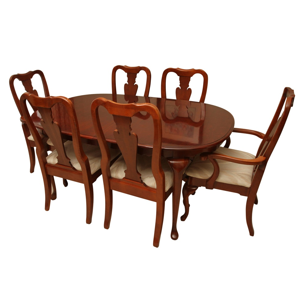 Queen Anne Style Dining Table and Chairs by American Drew