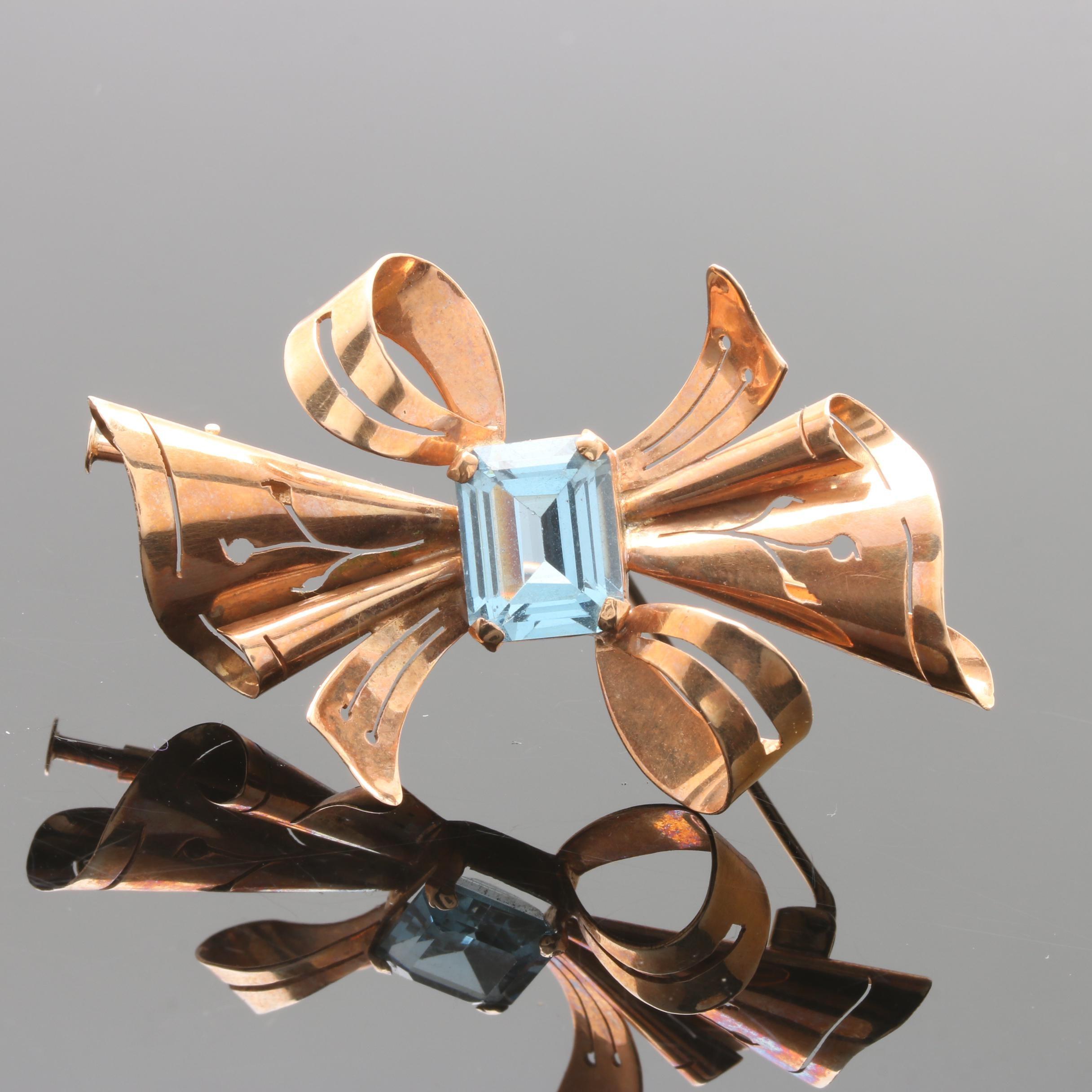 Retro Modern 18K Rose Gold Blue Topaz Brooch