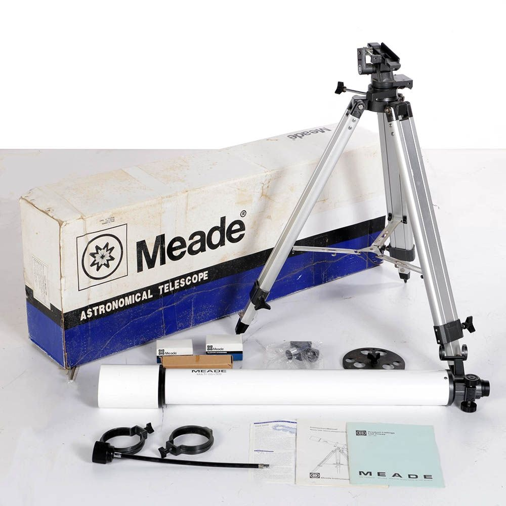 Meade Model 390 Altazimuth Refractor Telescope with Accessories