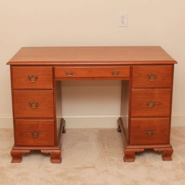 Chippendale Style Kneehole Desk