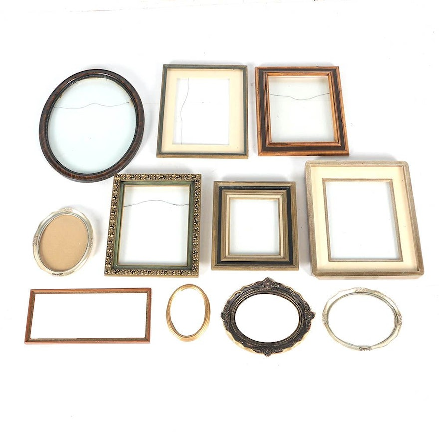 Assortment of Vintage Wall Frames : EBTH