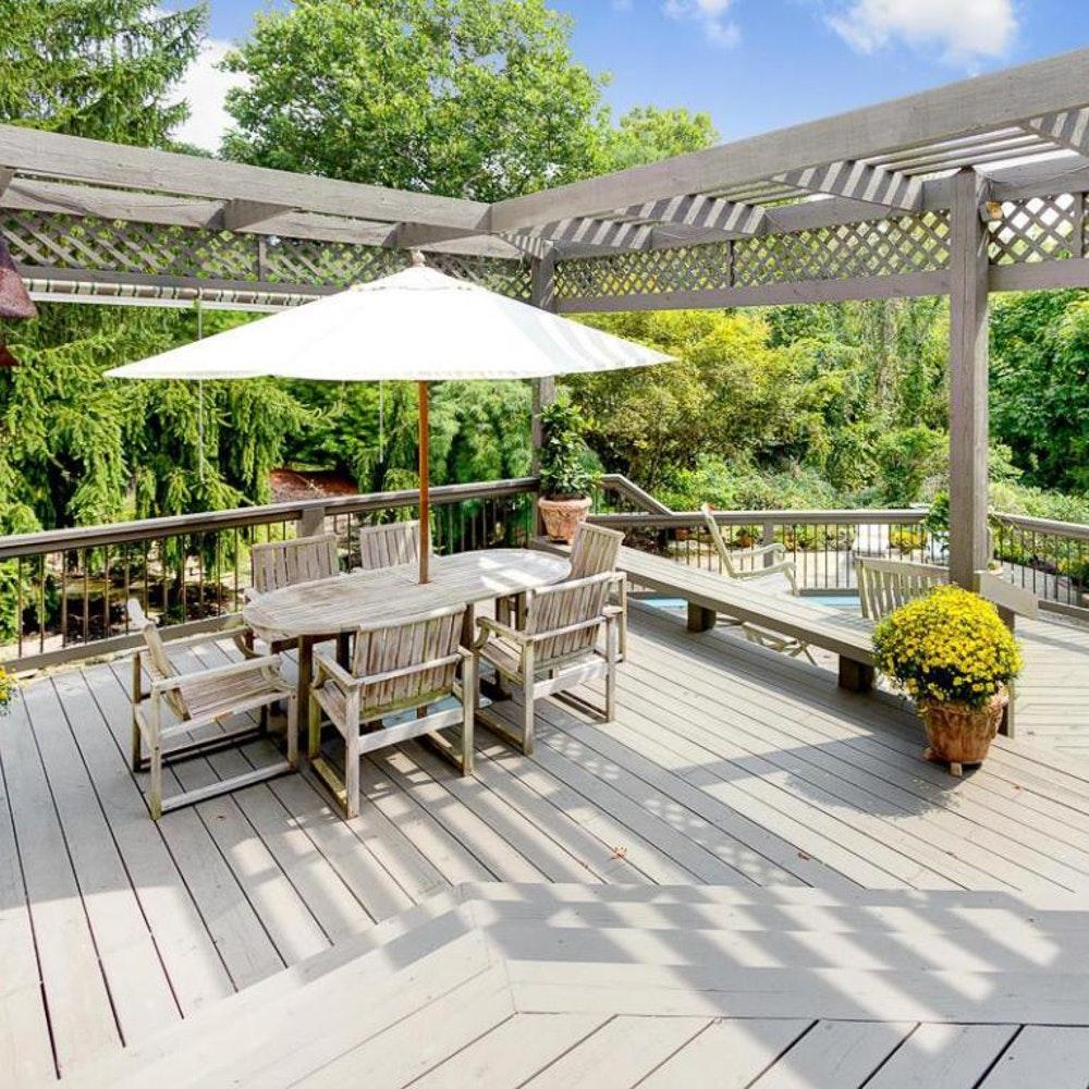 Kingsley-Bate Teak Outdoor Patio Set