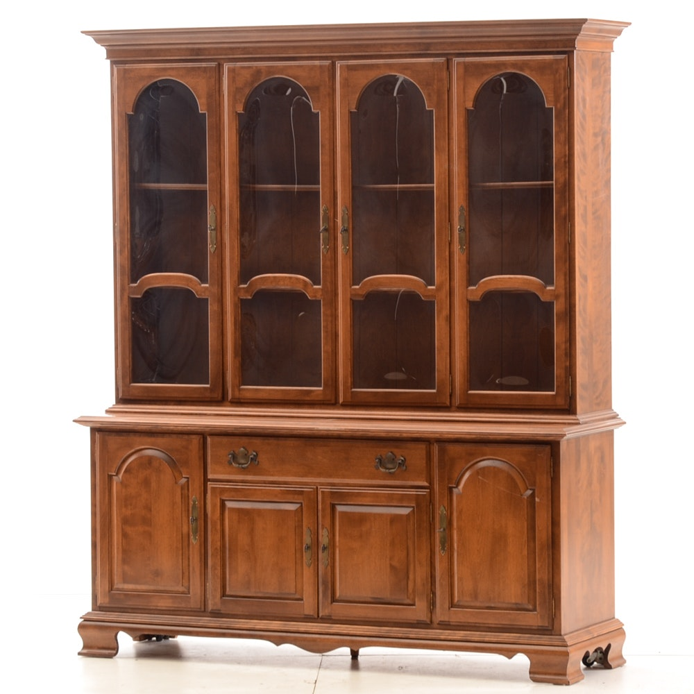 Colonial Style Ethan Allen China Cabinet