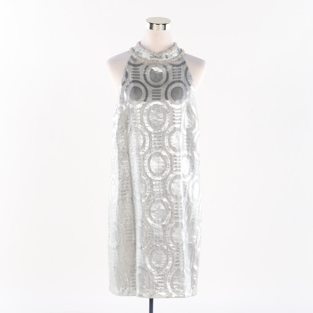 Maggie London Metallic Silver Sleeveless Dress
