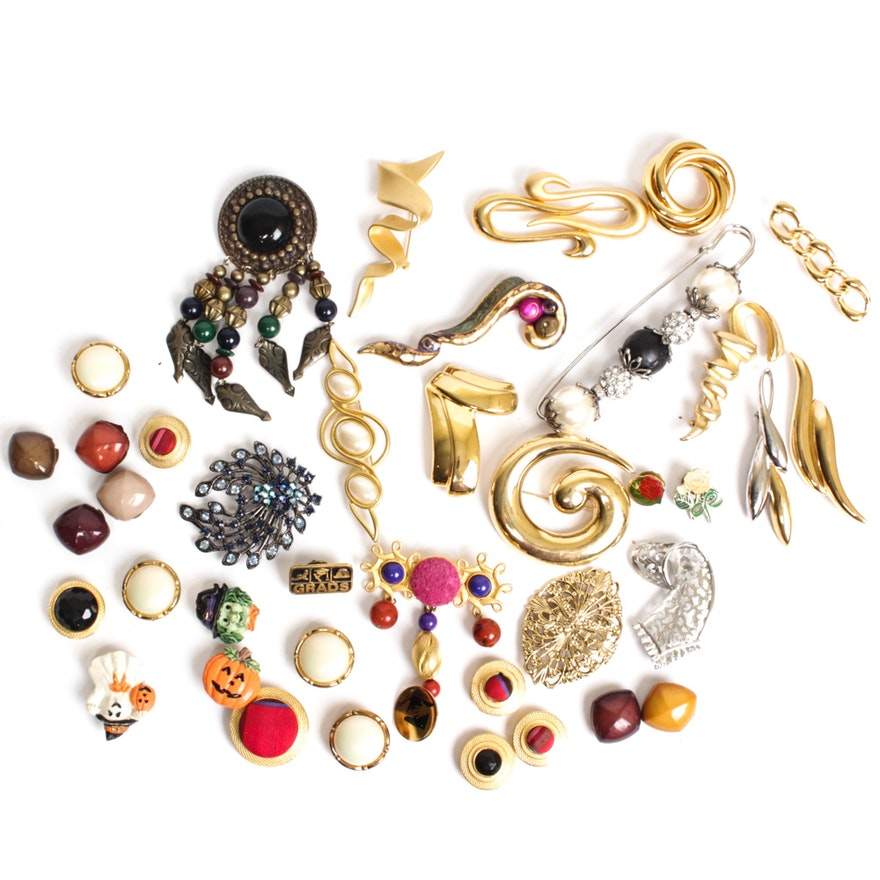 fced4701429 Costume Jewelry Brooches and Button Covers | EBTH