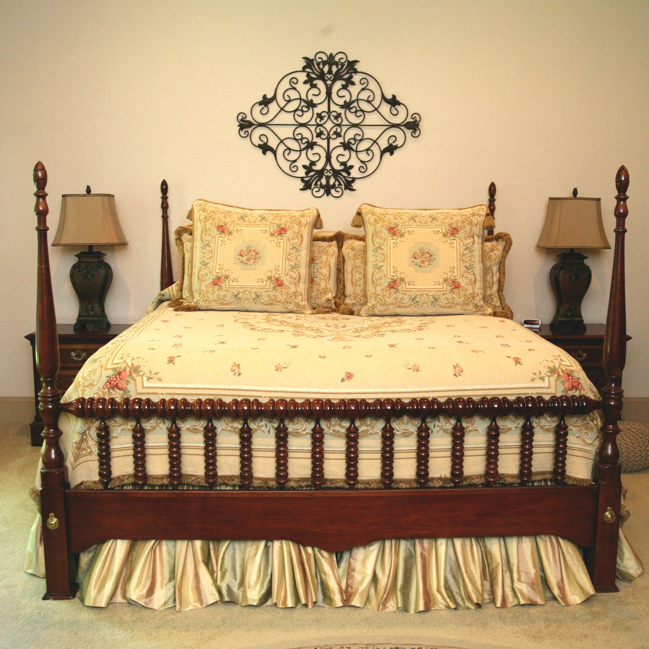 Vintage Federal Style Cherry King Size Four Poster Bed Frame