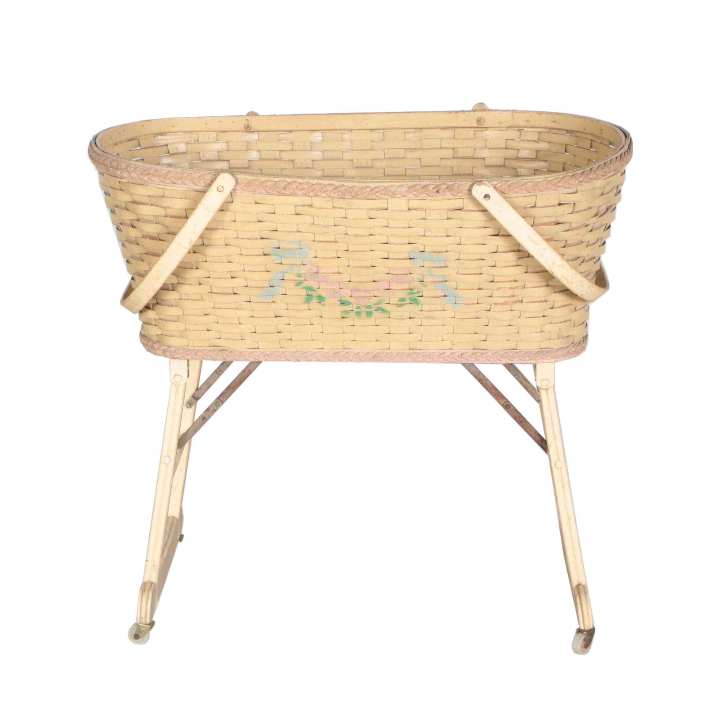 Vintage Decorative Hawkeye Baskets Bassinet Basket