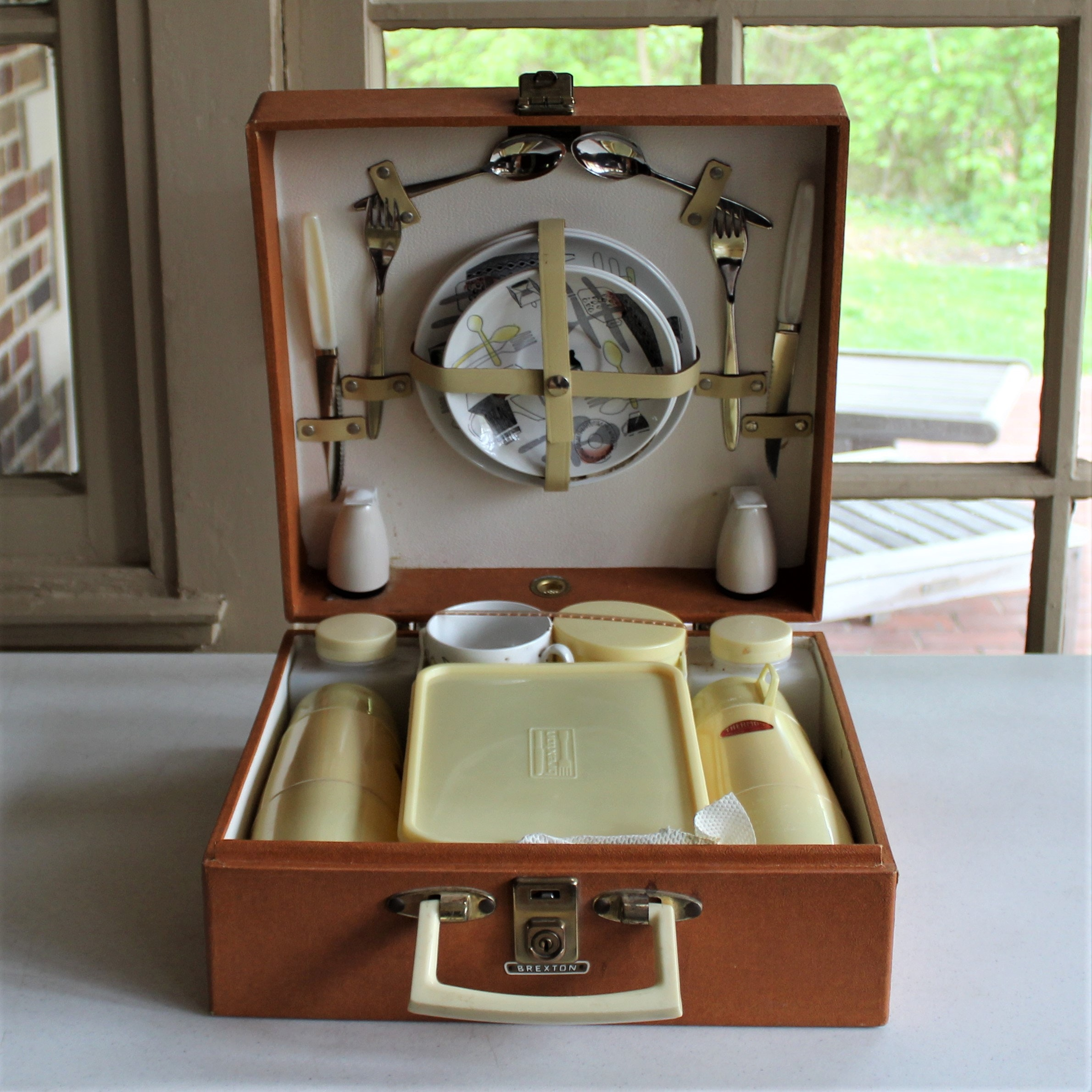 1950s Brexton Picnic Set for Two