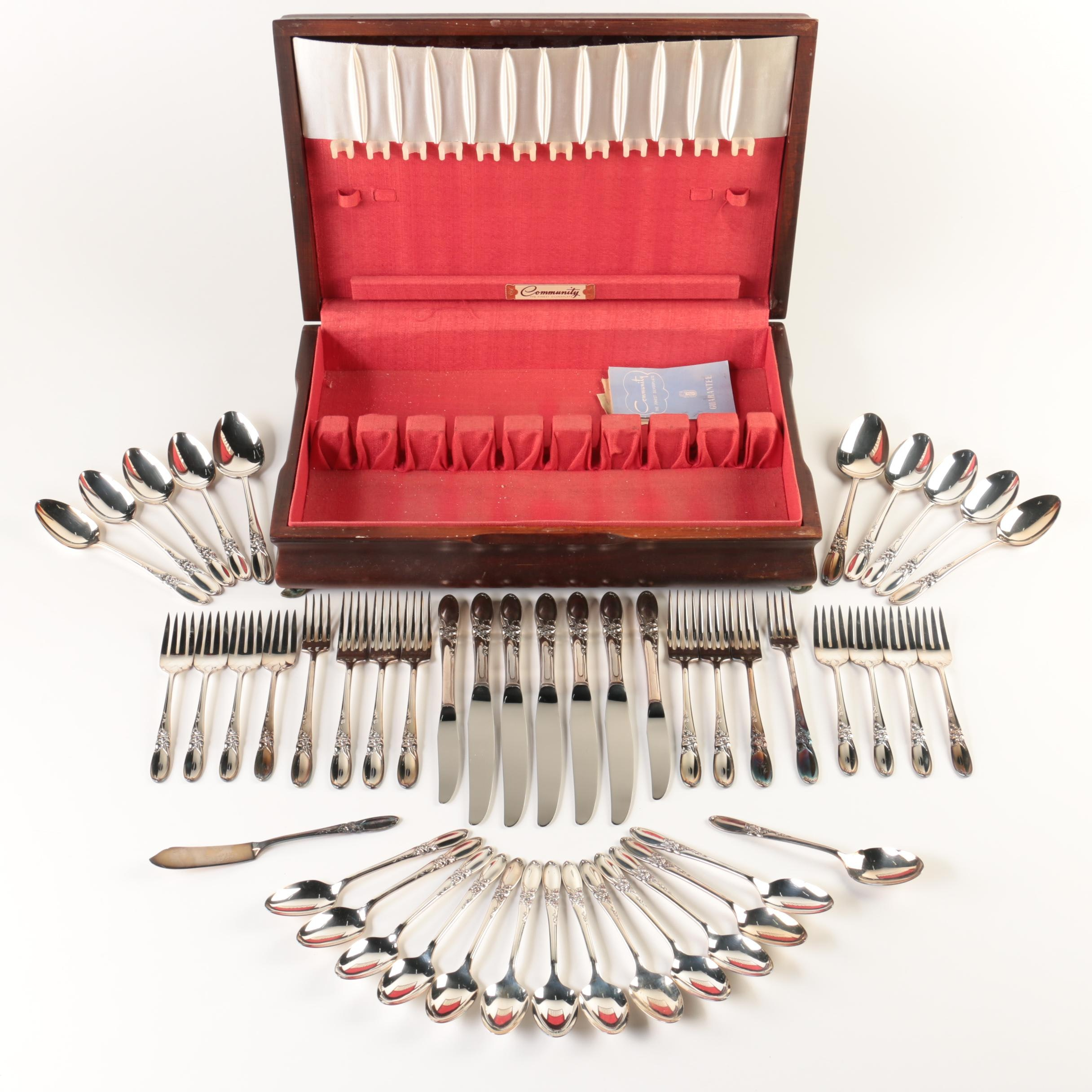 """Oneida Community Plate """"White Orchid"""" Silver Plate Flatware Set with Chest"""