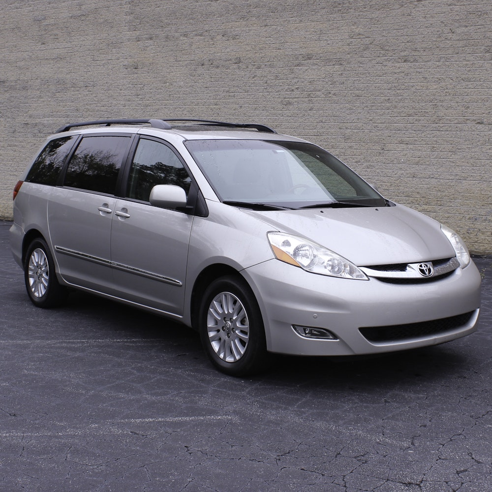 2010 Toyota Sienna XLE Limited Minivan
