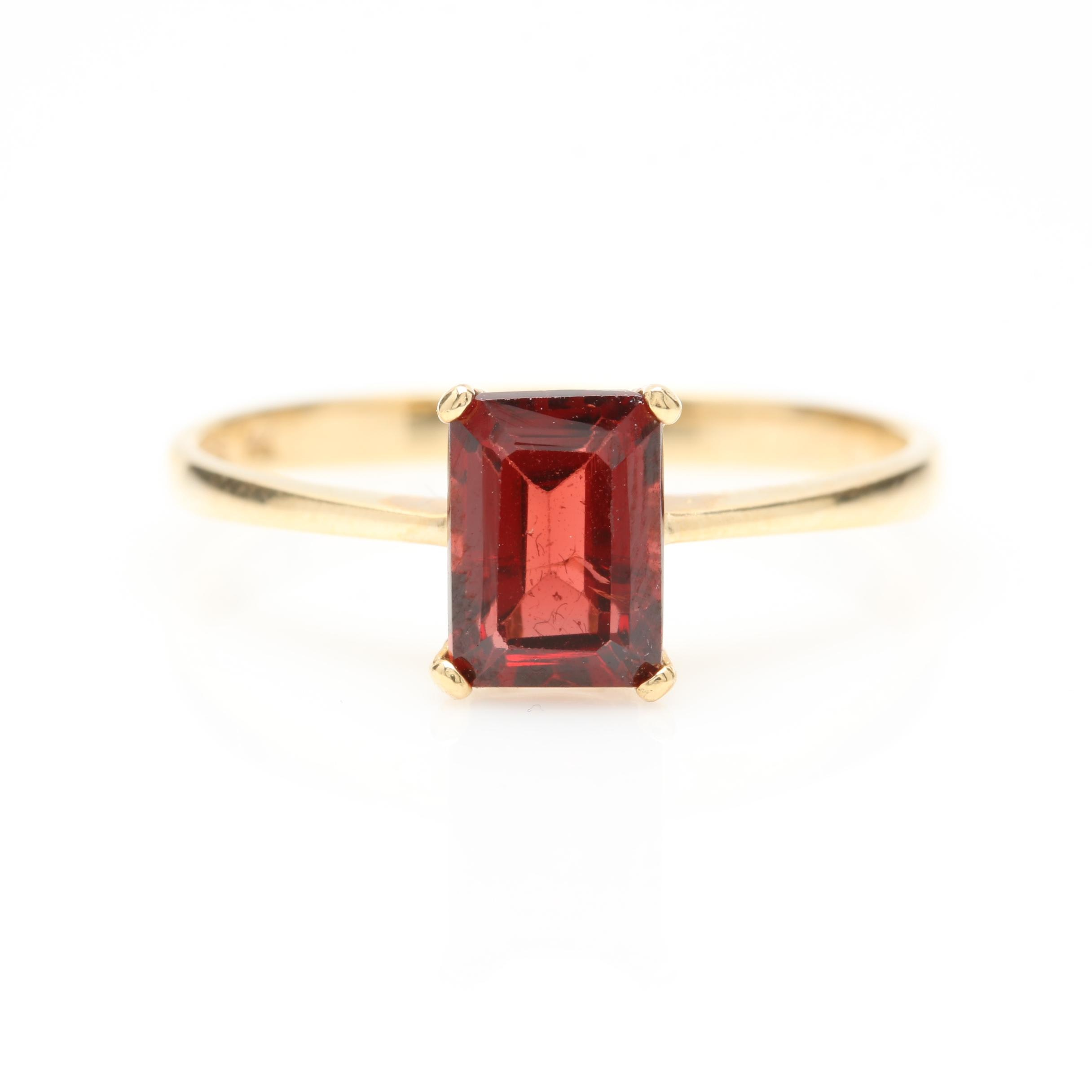 14K Yellow Gold 1.39 CT Rhodolite Garnet Solitaire Ring