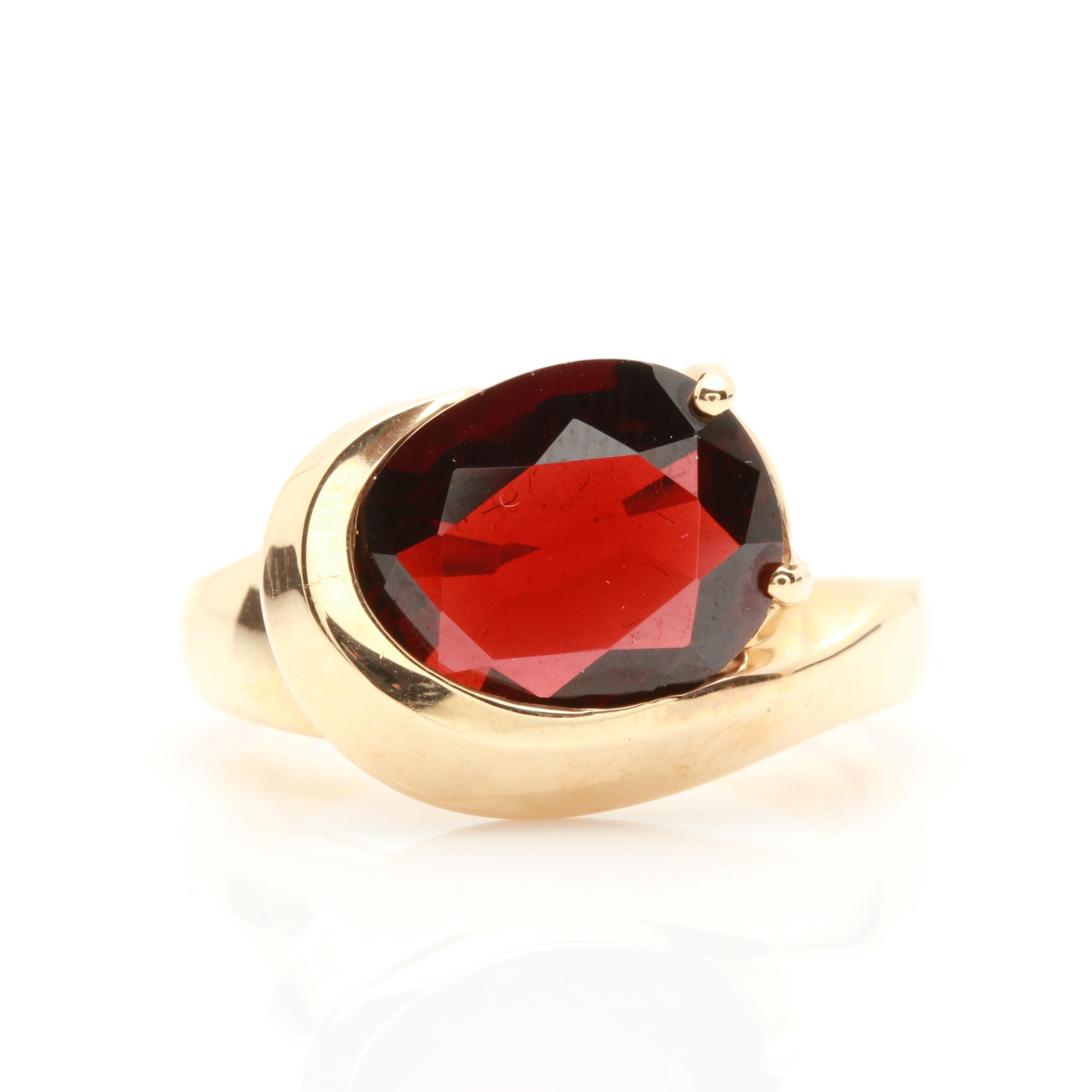 14K Yellow Gold 6.54 CT Garnet Ring