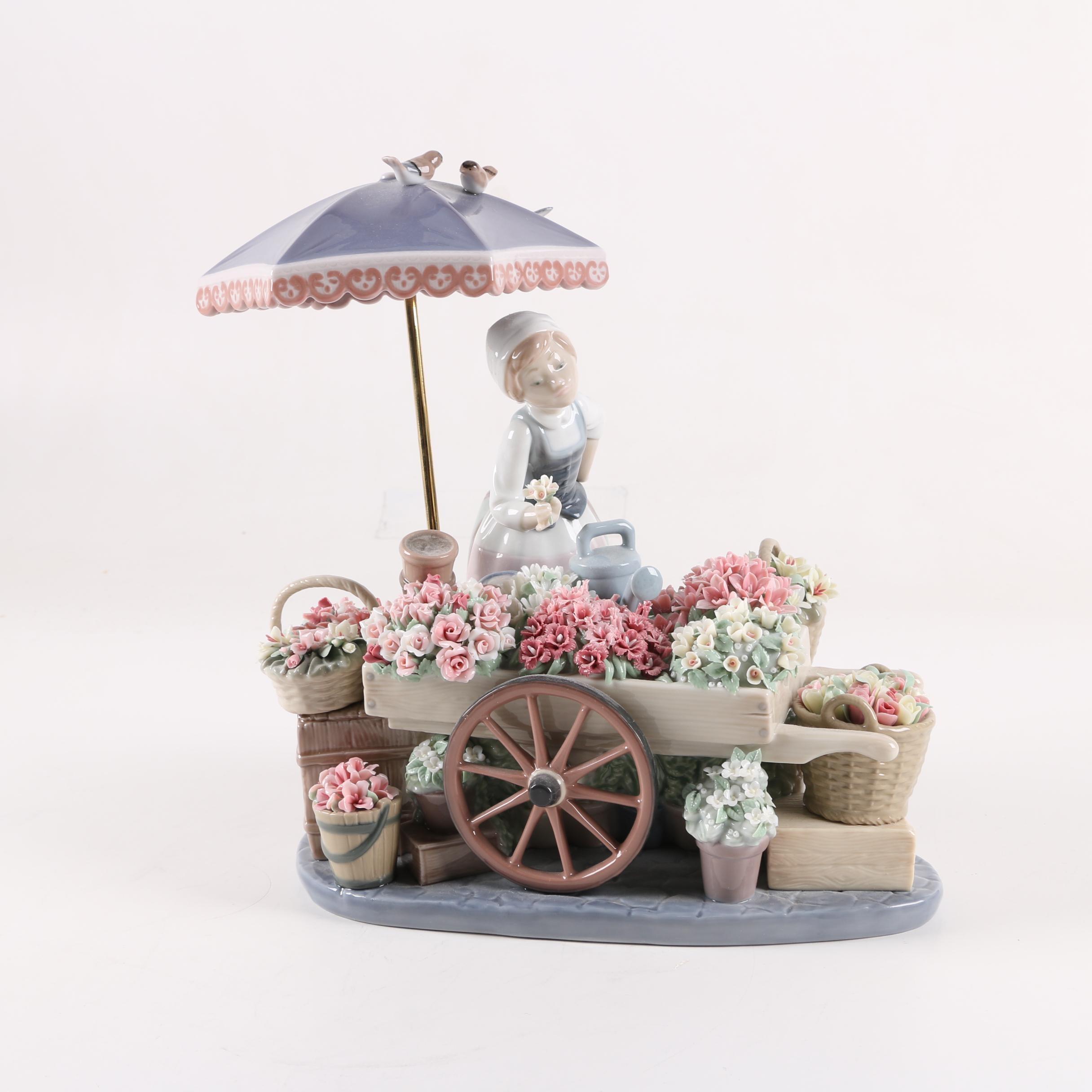 "Lladró ""Flowers of the Season"" #1454 Porcelain Figurine"