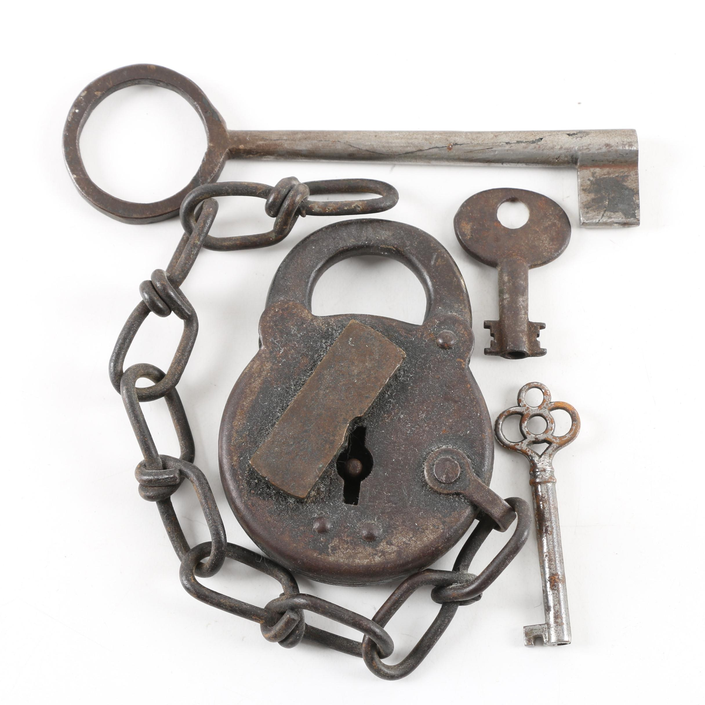 Antique Reese Cast Iron Padlock with Keys
