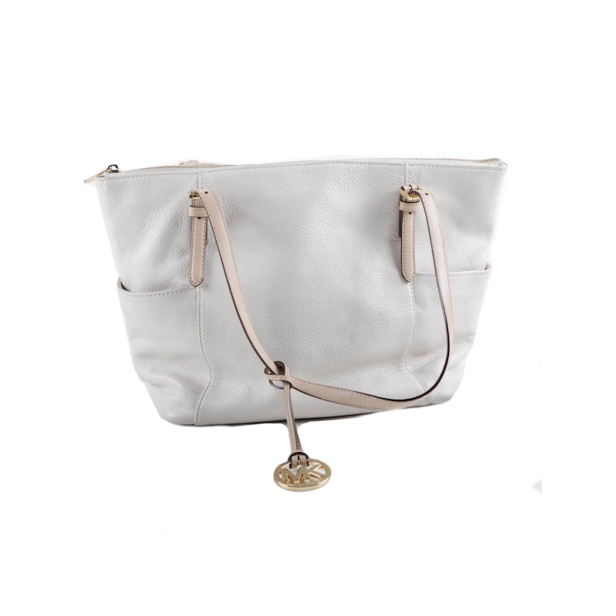 6089ae2aa0c8 MICHAEL Michael Kors White Pebbled Leather Tote Bag Trimmed in Beige Leather  : EBTH