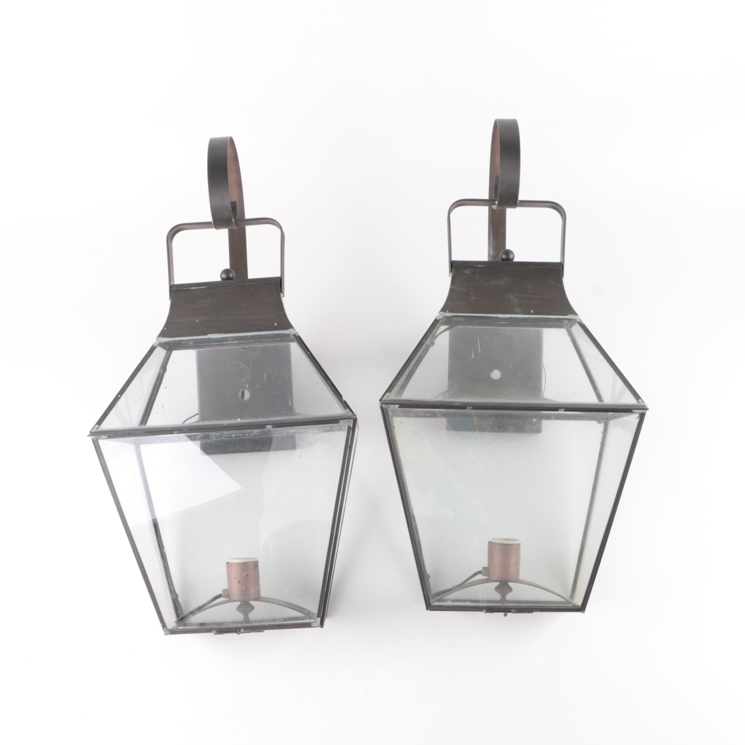 Outdoor Carriage Lantern Style Wall Sconces