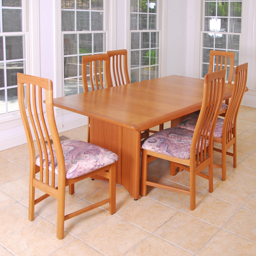 Contemporary Extension Dining Table and Six Side Chairs by DFIC Inc.