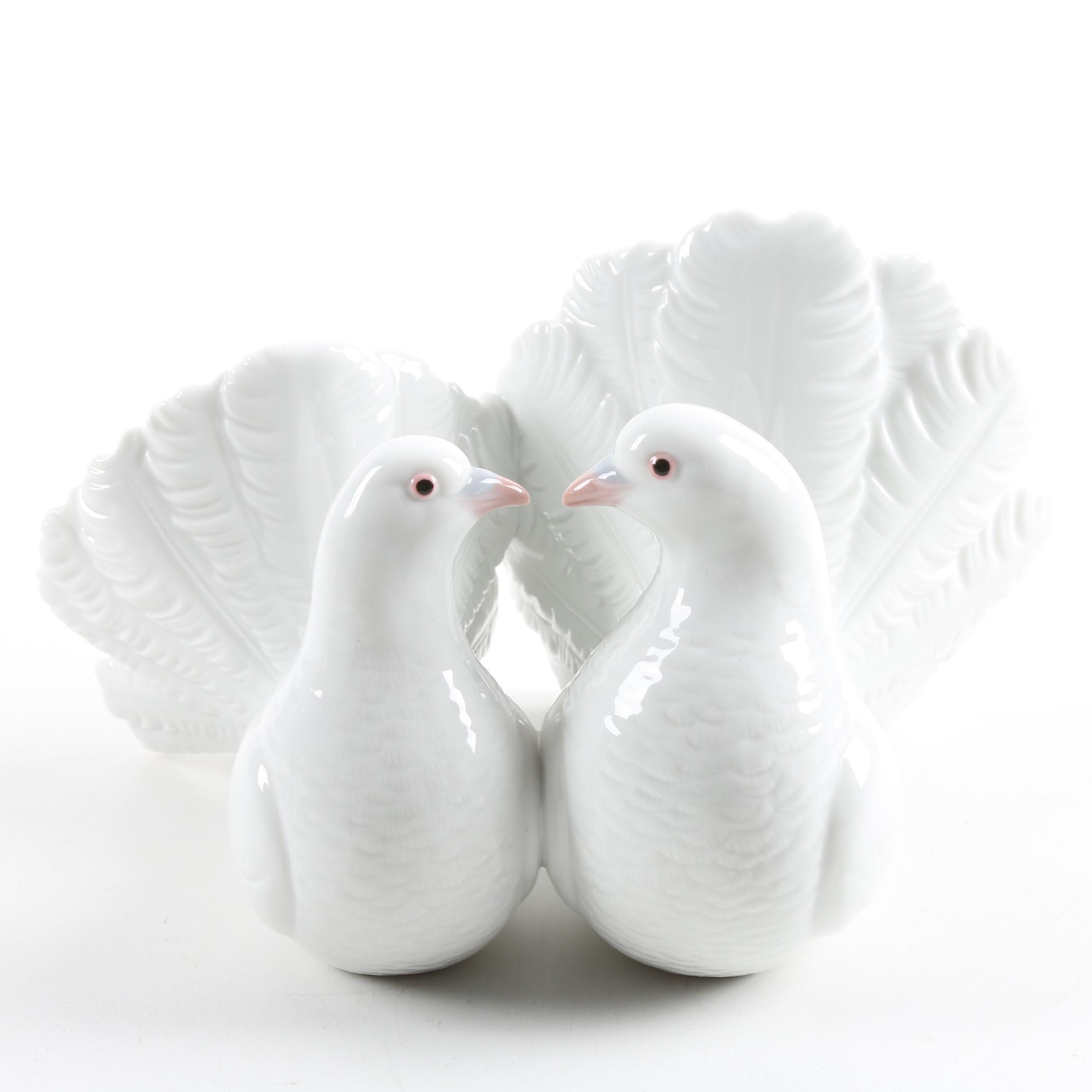 "Lladro Porcelain ""Couple of Doves"" Figurine"