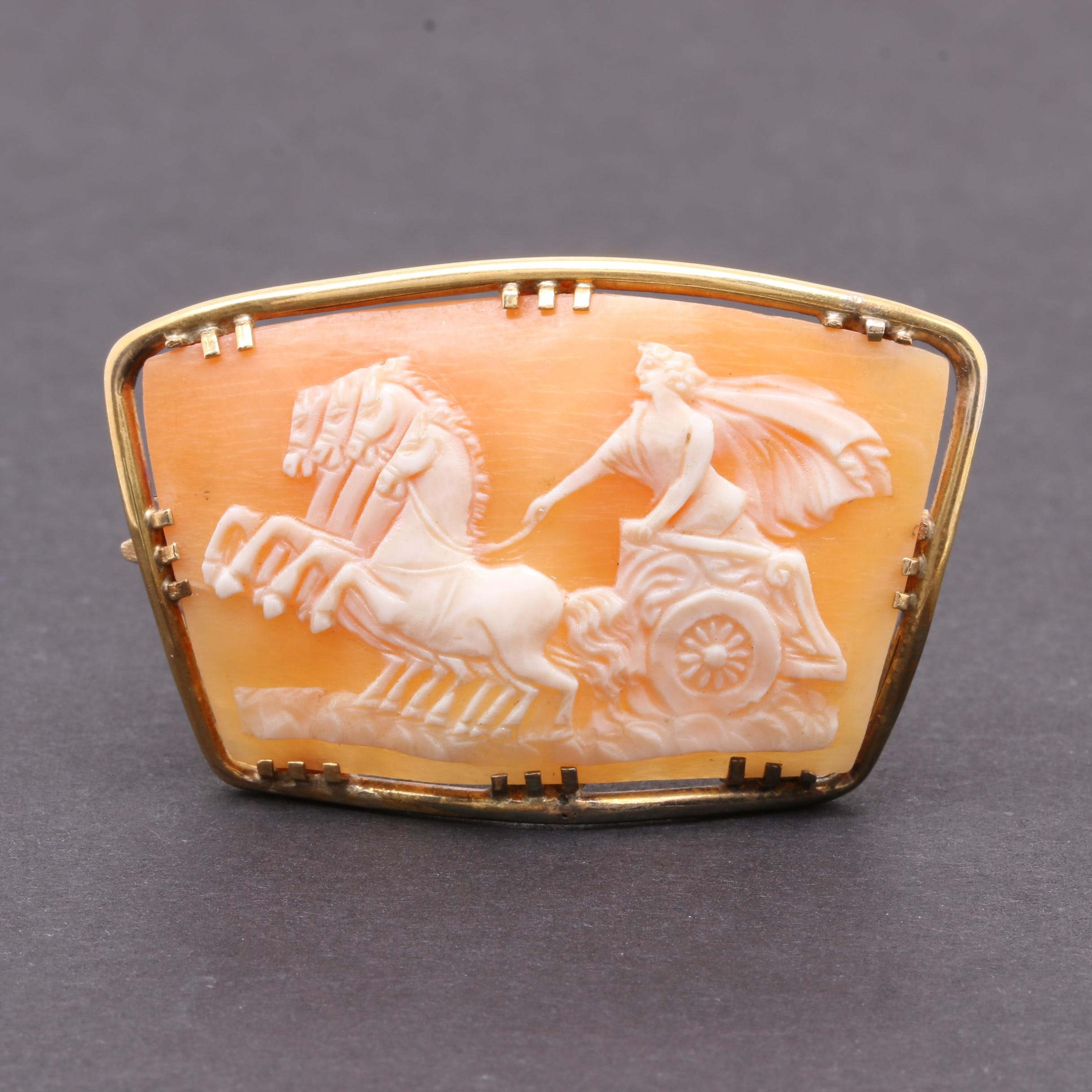 Circa Early 1900s 14K Yellow Gold Helmet Shell Cameo Brooch