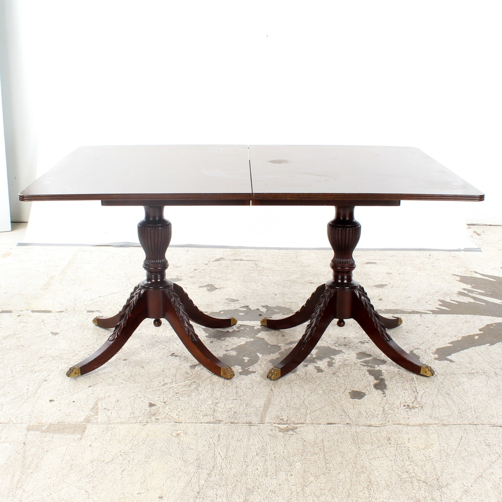Vintage Duncan Phyfe Style Mahogany Dining Table with Leaves