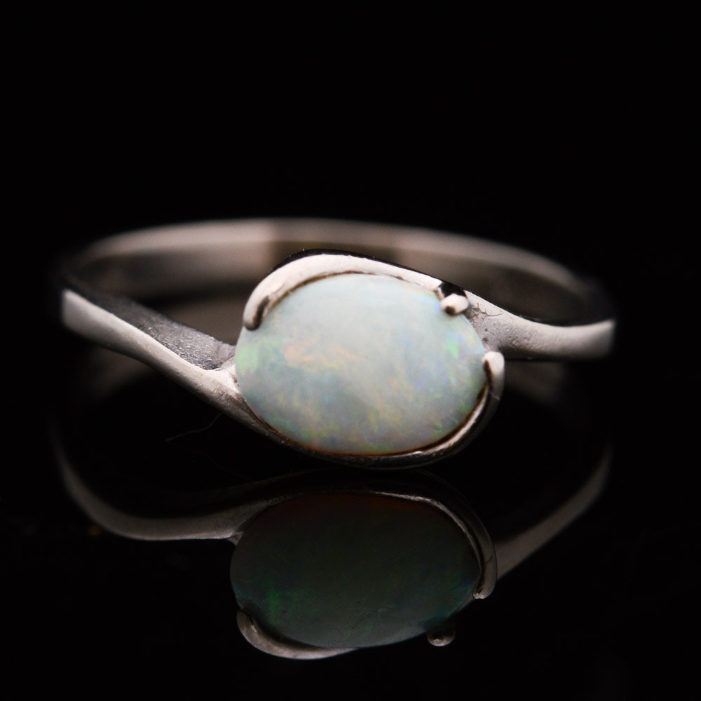 10K White Gold and Opal Ring