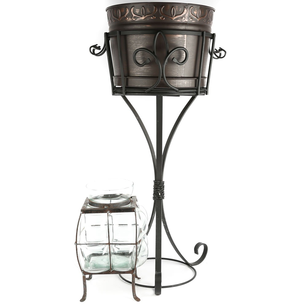 Patio Wine Bucket and Stand with Lantern