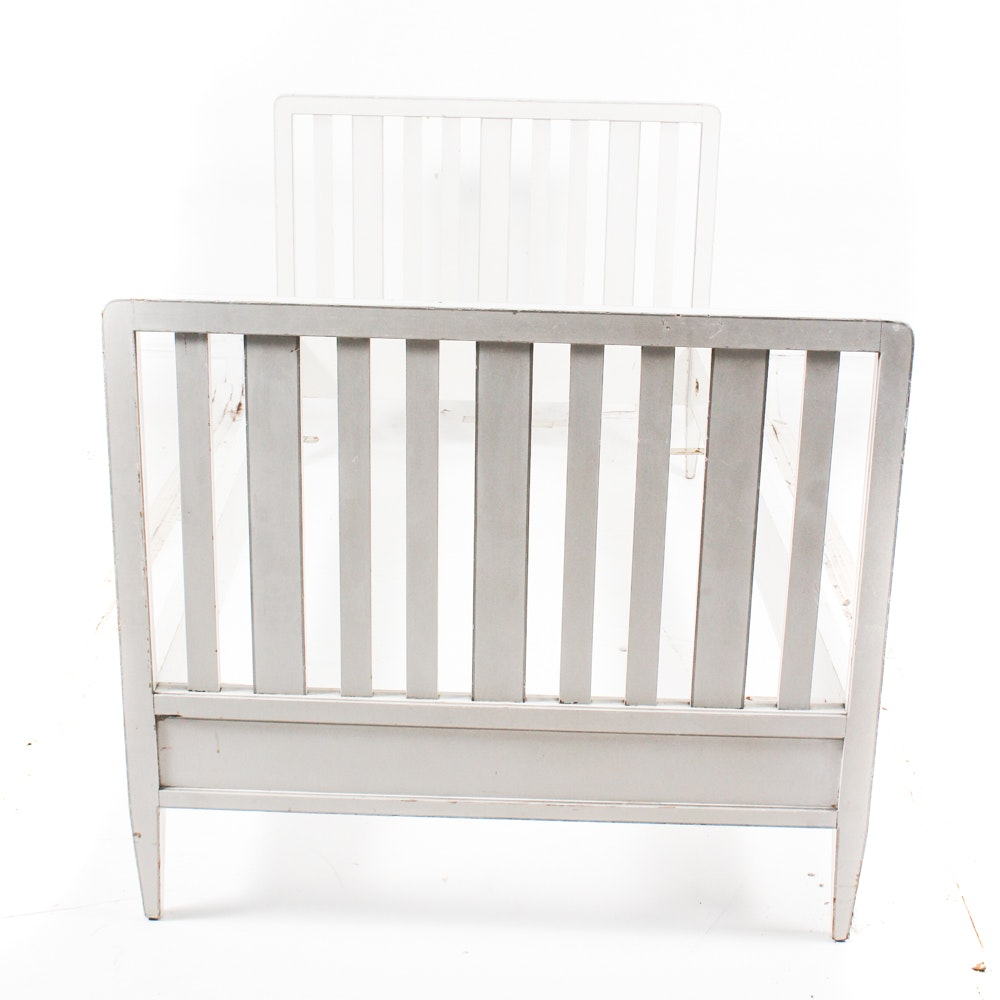 Vintage Painted Twin Size Daybed