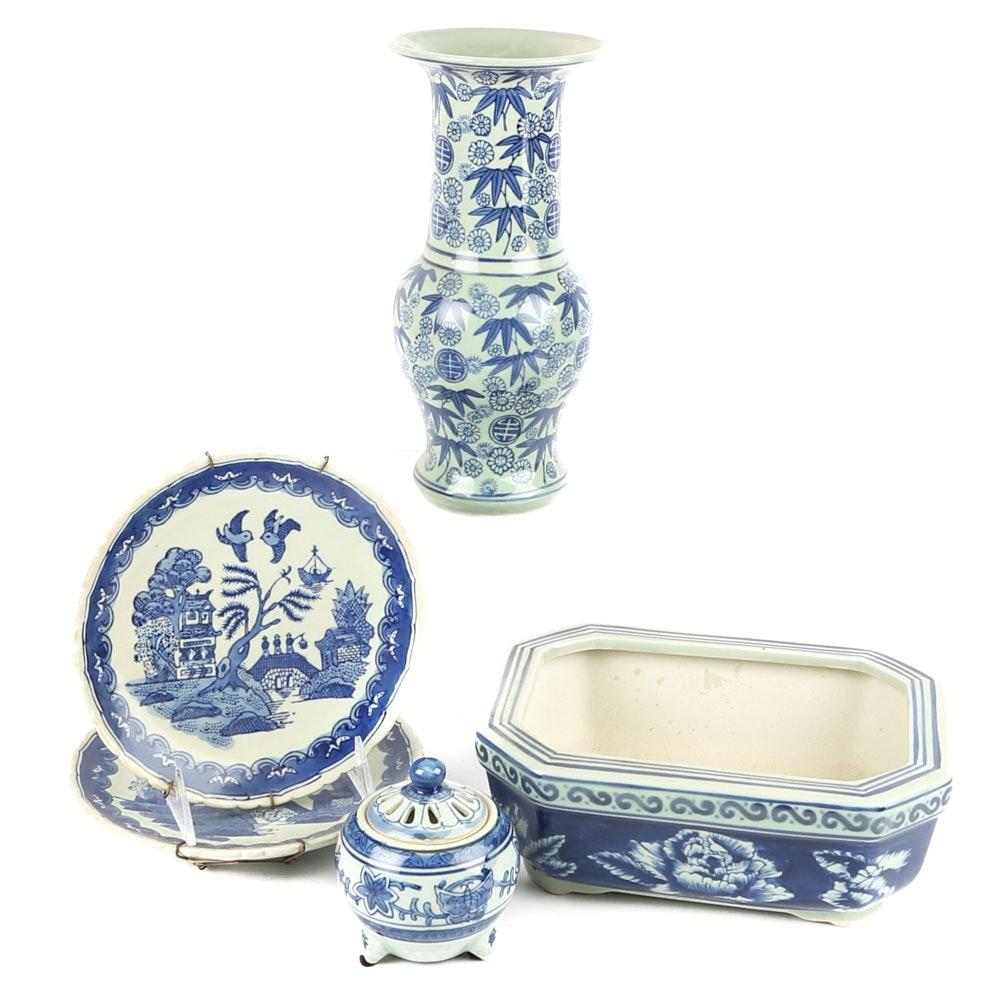 Blue and White Chinese Ceramics