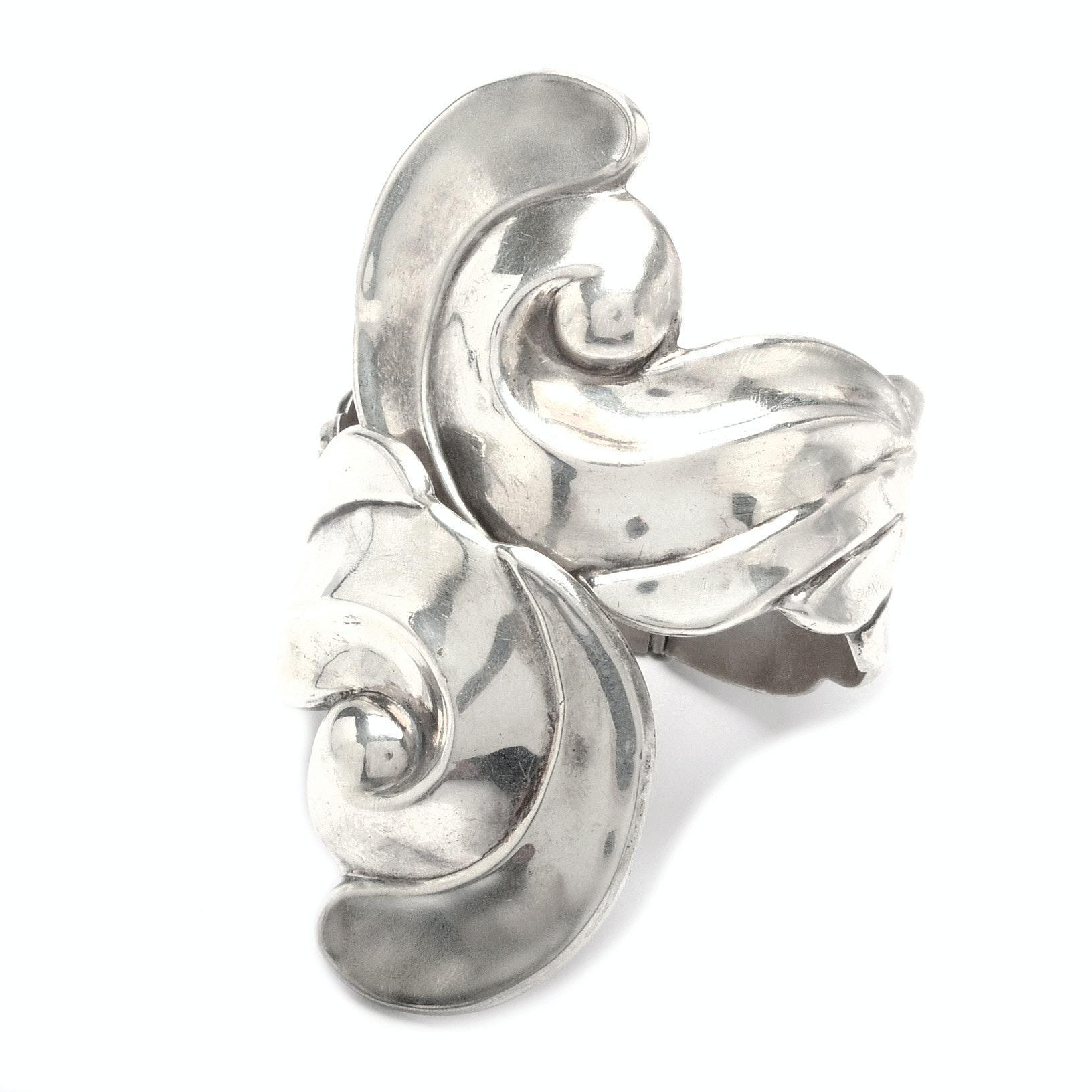 Vintage Signed Alfredo Villasana Sterling Silver Hinged Bypass Bracelet